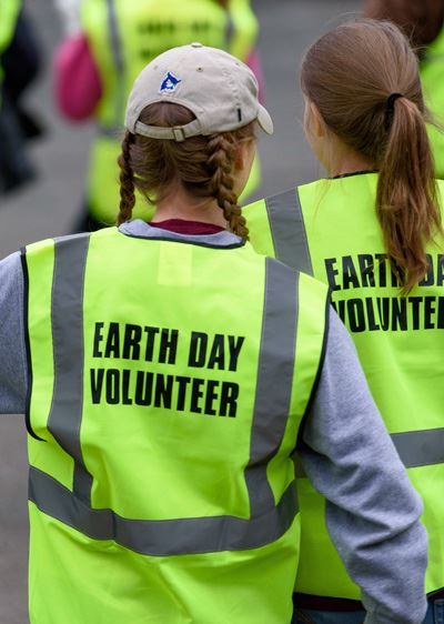 Earth Day Volunteer